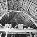 Interieur schuur, overzicht kapconstructie - Middelrode - 20321854 - RCE.jpg