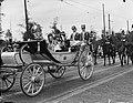 Intocht Koningin Juliana in Den Haag Koninklijke Familie in caliche, Bestanddeelnr 903-0071.jpg