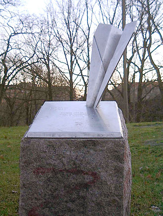 Västerbron - The JAS monument next to Västerbron.