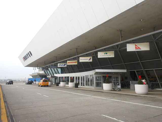 JFK Terminal 7 By Alexisrael (Own work) [CC BY-SA 3.0 (http://creativecommons.org/licenses/by-sa/3.0)], via Wikimedia Commons