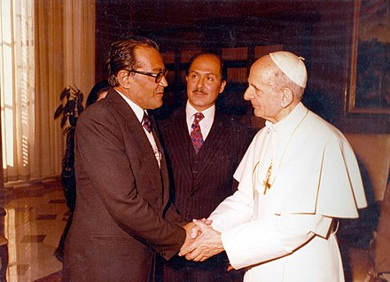 Pope Paul VI meets Jafar Shahidi, an Iranian Shia cleric. Jafar Shahidi and Pope Paul VI.jpg
