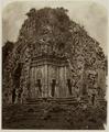KITLV 28225 - Isidore van Kinsbergen - Tjandi Kalasan in Central Java - 1865-07-1865-09.tif