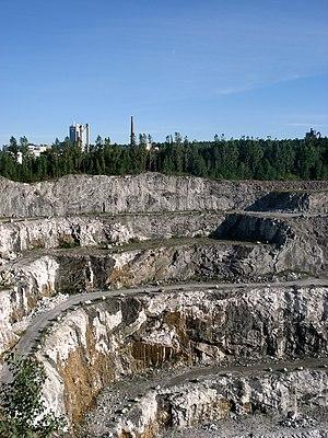 Nordkalk - Image: Kalkkikaivos, Parainen, 22.7.07
