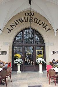 Kawiarnia Noworolski w Krakowie (8642844964).jpg