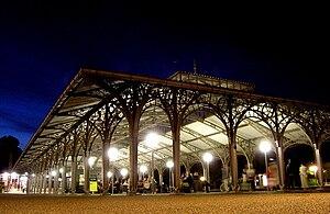 Klampenborg Station - Station covered waiting area