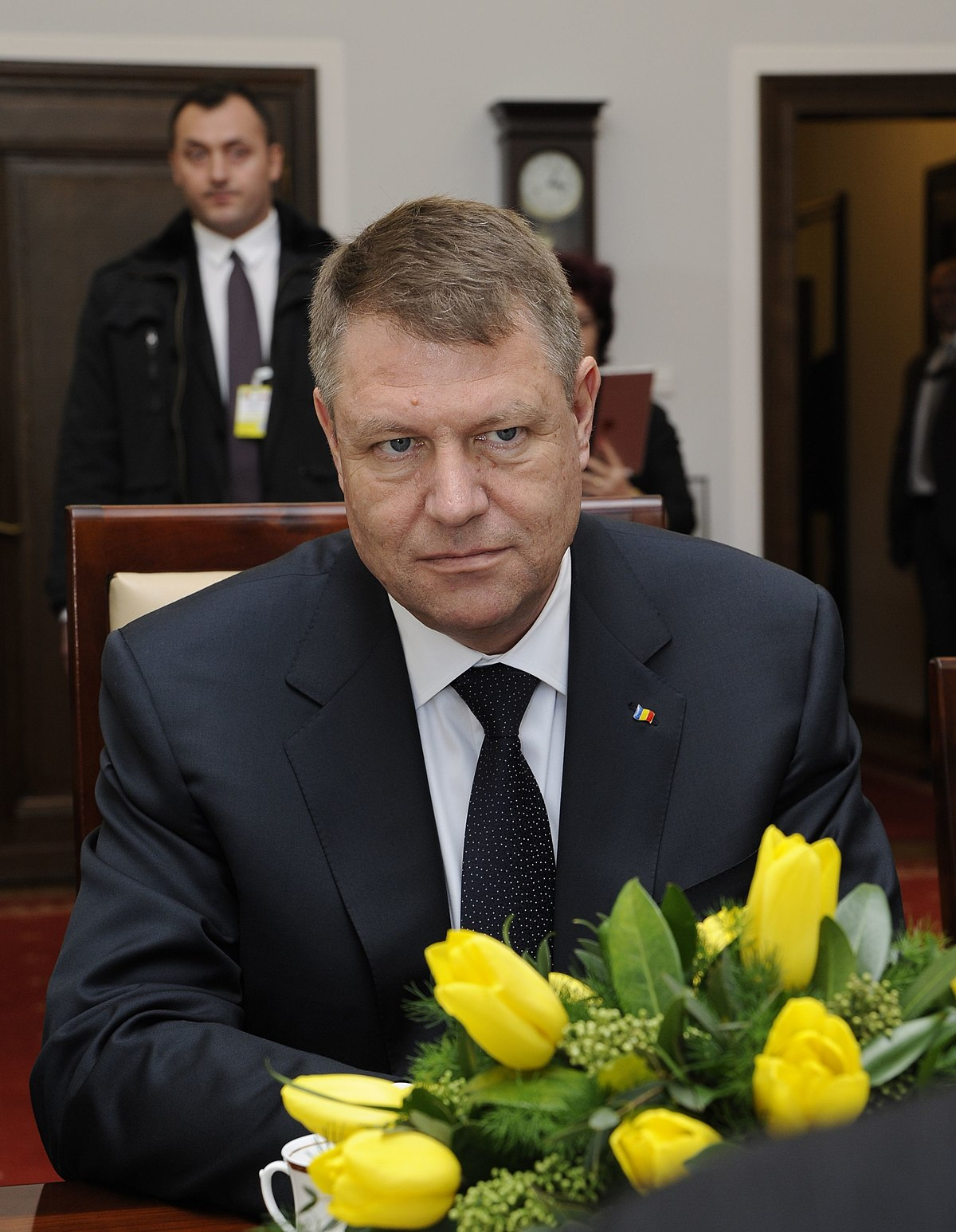 Iohannis: Teach Romanian ruling party a lesson at ...