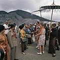 Koningin Juliana en prins Bernhard bij de vulkaan Tangkuban Perahu bij Bandung, Bestanddeelnr 254-9042.jpg