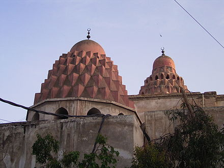 The twin domes of the funerary-Medresa of Nur ad-Din also Known as the Madrasah Nuriyya al-Kubra Kuppel Nur ad-Din Madrasa.JPG