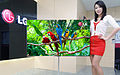LG전자, 깜빡임 없는 55인치 3D OLED TV 공개.jpg
