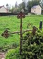 La Vicogne cimetière (croix fer forgé) 1.jpg