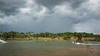 Lago em Santa Bárbara de Goiás.jpg