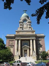 Lake County Courthouse, Painesville OH, USA.jpg