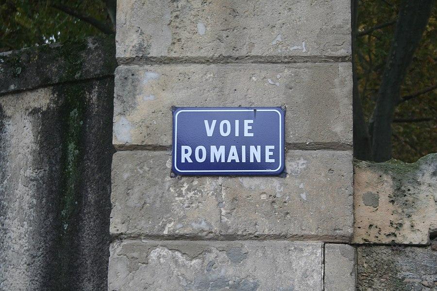 Lavérune (Hérault) - plaque: voie romaine, à l'emplacement de la Voie Domitienne.