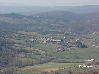 Revest-des-Brousses Commune in Provence-Alpes-Côte dAzur, France