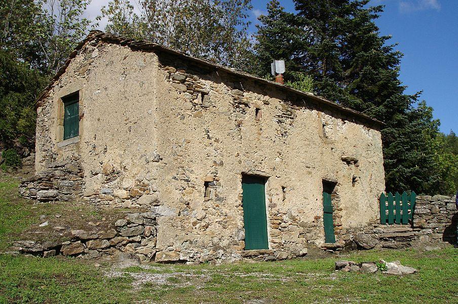 Castanet-le-Haut (Hérault) - Le «Secadou» en occitan (Séchoir à châtaignes en français).