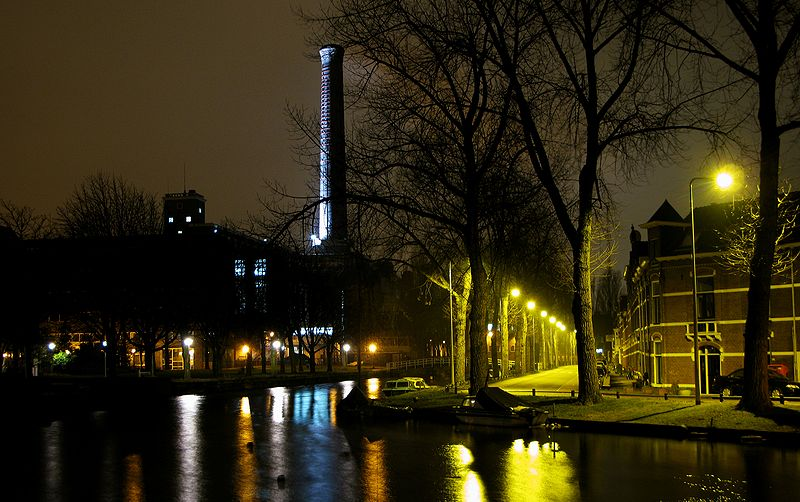 The Singel at night, also chimney of the Light Factory