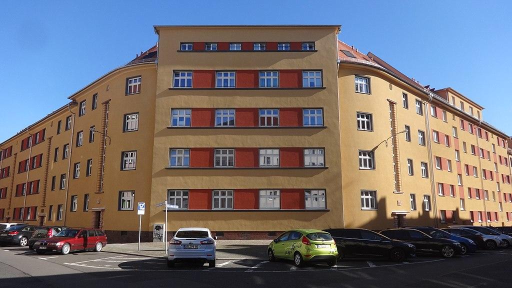 1024px-Leipzig-Gohlis%2C_Otto-Adam-Stra%C3%9Fe_12.jpg