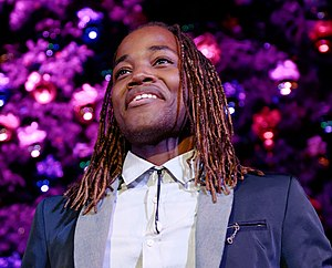 Leon Thomas III - Thomas performing in November 2013.