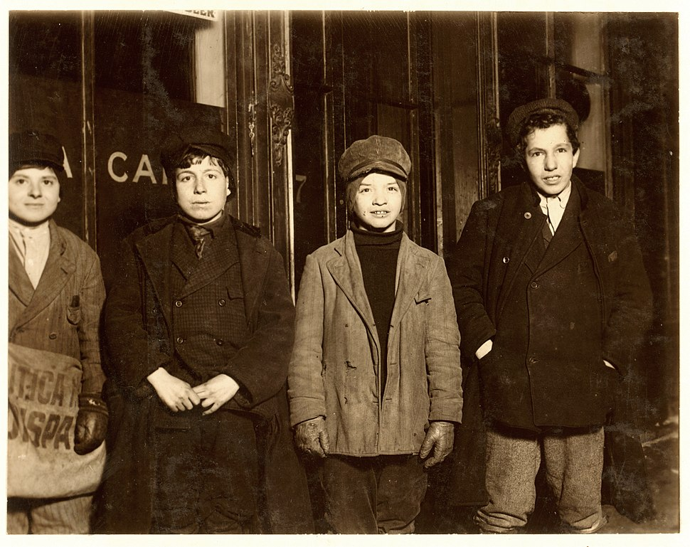 Lewis Hine, Pasquale Lolara, Ercola Guallilo, Jerry Paciello, Frank Graciana, newsboys, Utica, New York, 1910