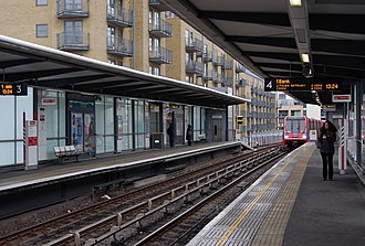 Limehouse station - The Docklands Light Railway platforms at Limehouse, 2013