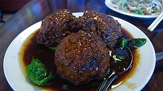Lions Head (food)