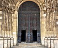 Lisbon Cathedral Doors in the Doors (50754917962).jpg