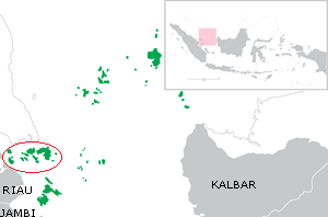 Riau Archipelago - Red circle around the Riau archipelago, within Riau Islands Province (green)