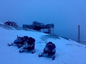 Economy of Svalbard - Snowmobiles at Longyearbyen