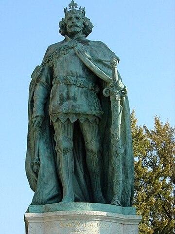 Louis I (Heroes Square).jpg