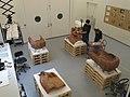 Louvre-Lens - Restauration du Sarcophage des Époux (Cp 5194) avant l'exposition Les Étrusques et la Méditerranée (A03, 9 octobre 2013).JPG