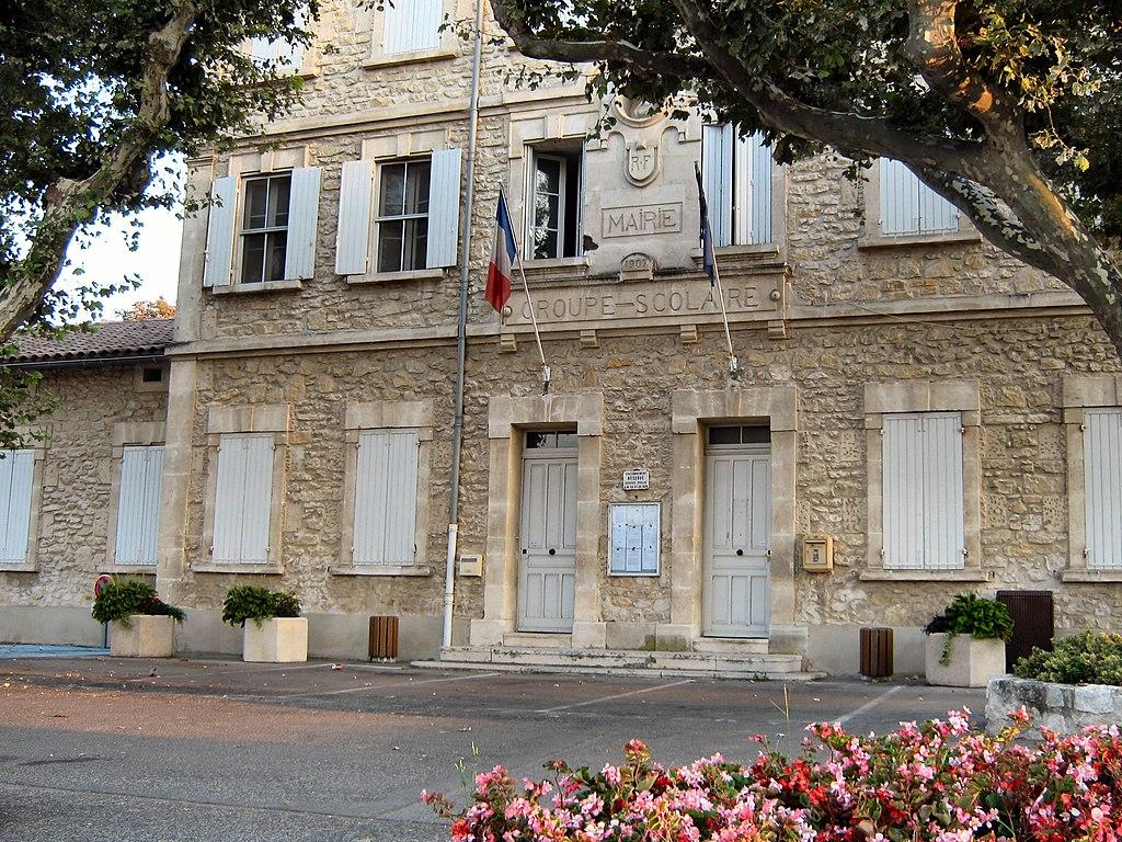 Mairie St-Etienne-du-Grès.jpg