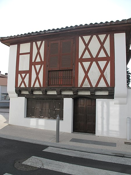Maison Brebet, 56 rue Charles-de-Gaulle in Capbreton (Landes, France).