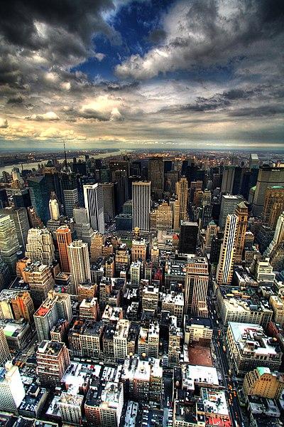 File:Manhattan panorama under clouds.jpg