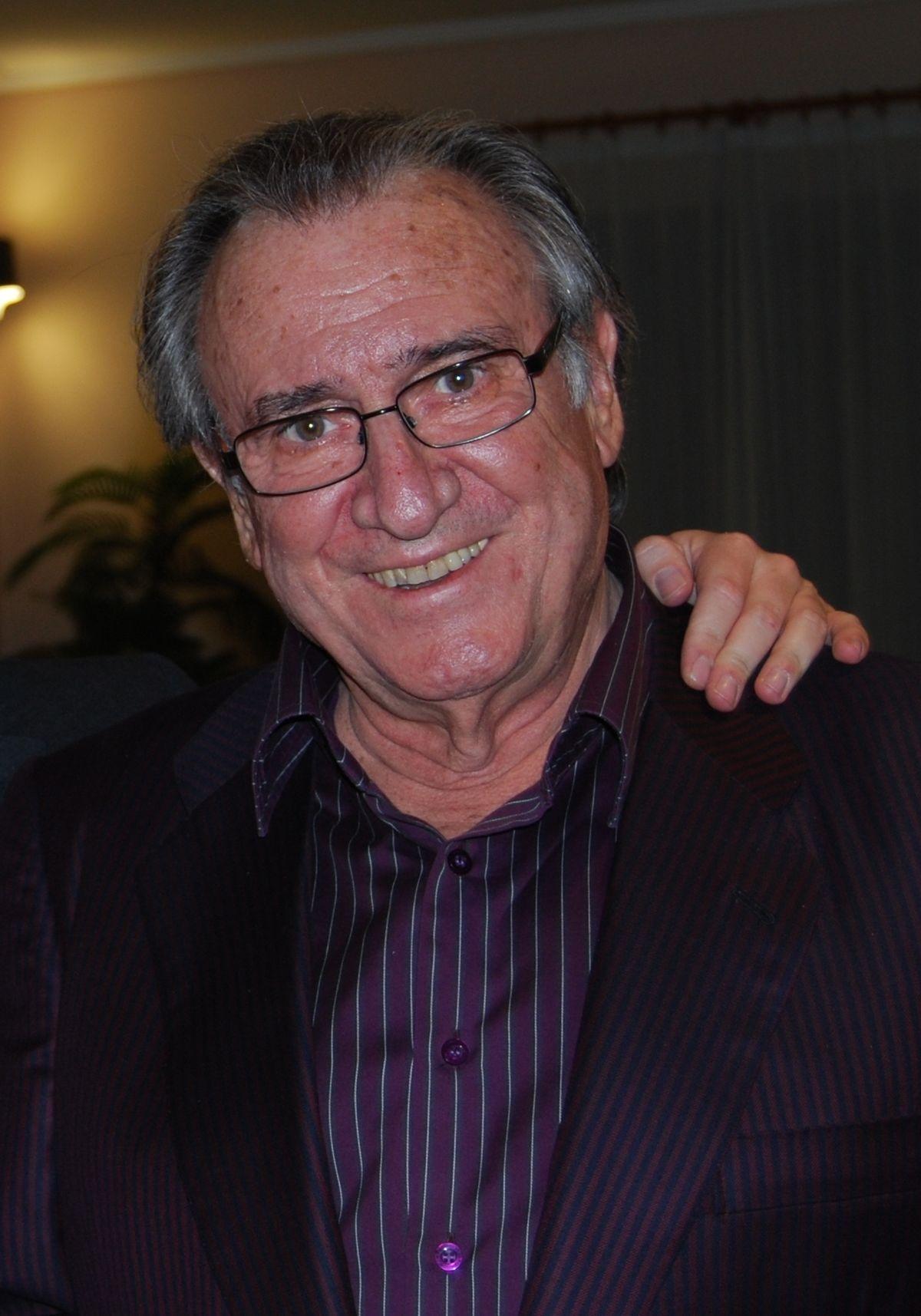 Manolo Manolo