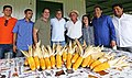 Maquinário agrícola do governo auxilia na colheita de milho em Capixaba (27123540312).jpg