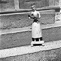 Marija z Jezusom v vdolbini hiše, Male Rebrce 1957.jpg