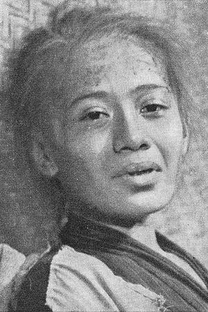 Marlia Hardi - Hardi portraying an old woman in Si Pintjang
