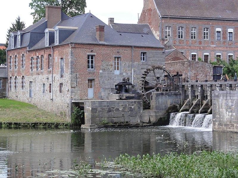 Maroilles (Nord, Fr) Moulin sur la Petite Helpe
