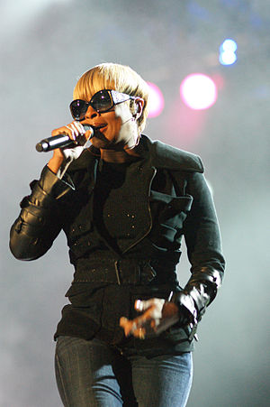 Mary J. Blige - Blige performing at Bumbershoot in September 2010.