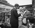 Max van Praag en Annie de Reuver worden geintervieuwd tijdens een rondvaart door, Bestanddeelnr 909-6297.jpg
