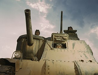 Sponson - The sponson-mounted main gun of an M3 Lee tank