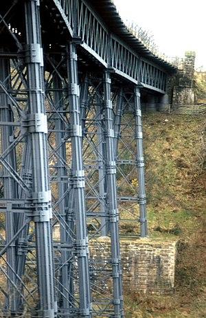 Meldon Viaduct - Image: Meldon viaduct geograph.org.uk 373539