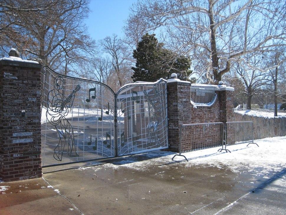 Memphis TN Graceland gates snow