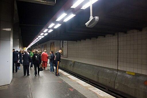 Metro L1 Grande-Arche IMG 5578