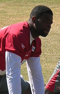 Michael Crabtree at 49ers training camp 2010-08-09 1.JPG