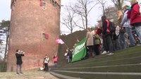 File:Middelbare scholieren sluiten aan bij Nijmeegs klimaatprotest.webm
