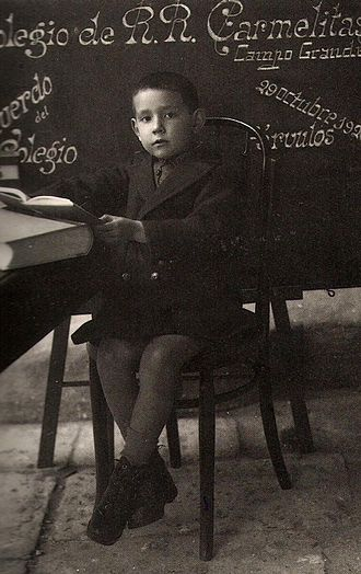 Miguel Delibes - Miguel Delibes at age six in a school photograph of the Colegio de las Carmelitas of Valladolid.