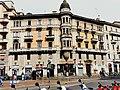 Milano - edificio piazza Argentina 3.jpg