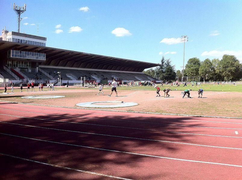 Stade de l'étivalière lors des entraînements en athlétisme