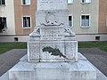 Monument aux morts d'Embrun en juillet 2019 (2).jpg
